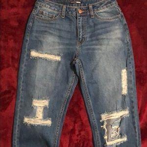 cute boyfriend jeans !!